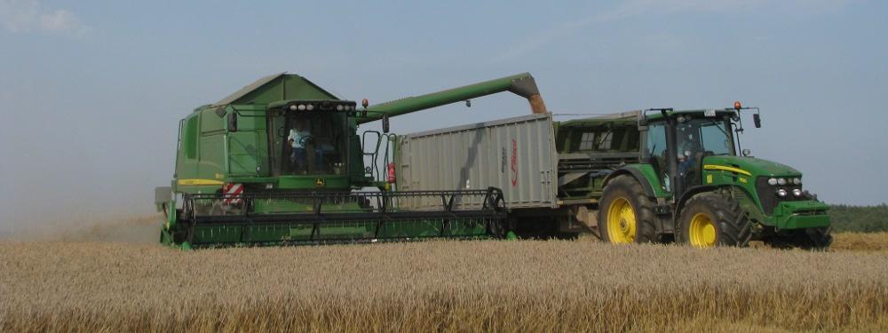 Landmaschinen bei der Ernte
